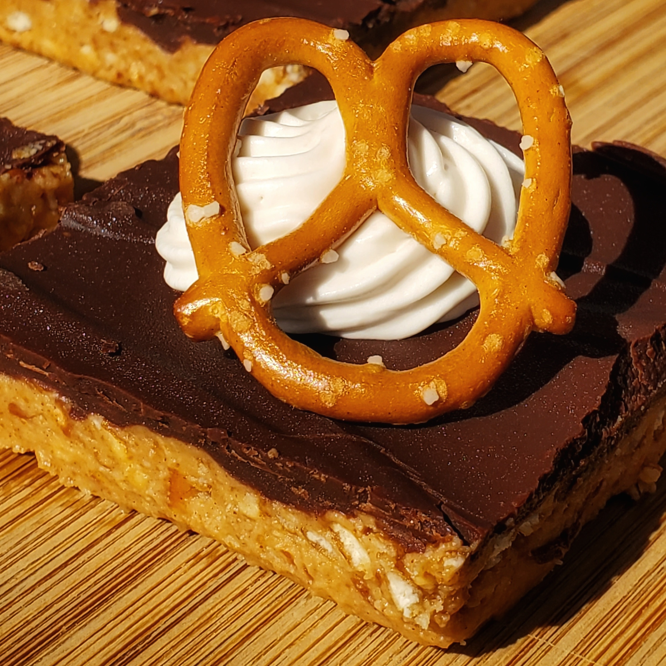 No Bake Peanut Butter, Beer and Pretzel Bars