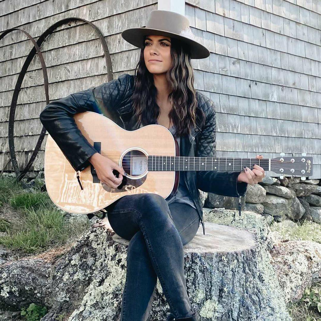 """Stephanie Ryann Focuses On Living the Life You Want in Her Latest Single""""I Should"""""""