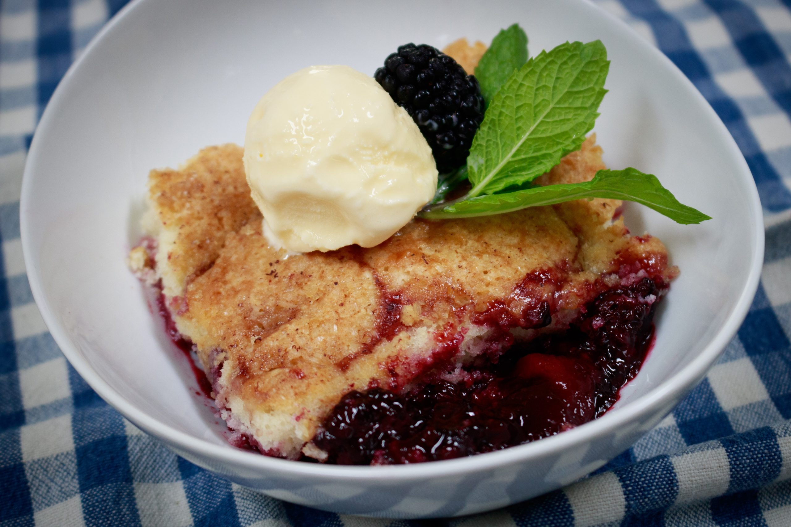 Read more about the article Southern Peach and Berry Cobbler